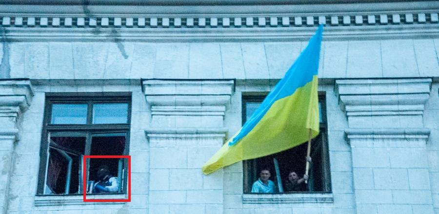 Odesa masakr - Specijalci su već prije izbijanja požara bili u zgradi, mahali zastavama i izvikivali svoje šovinističke parole