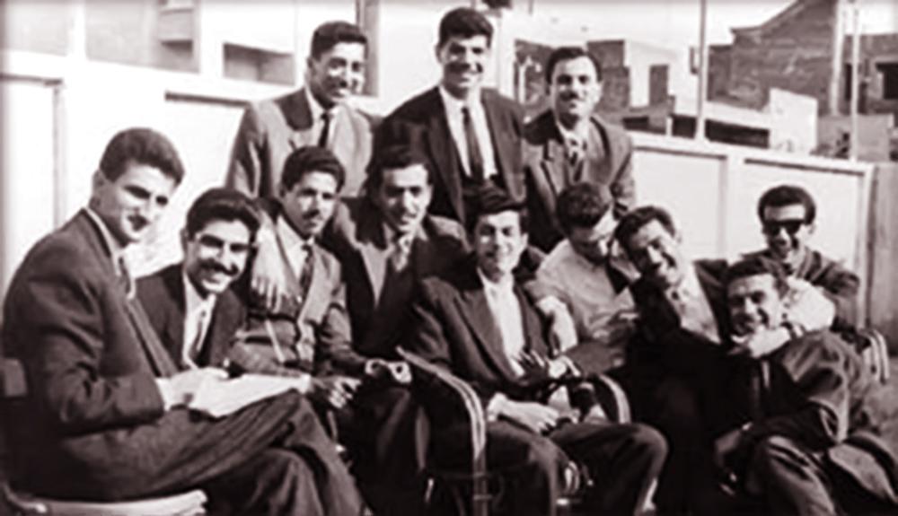 Ovdje je fotografija nekih Iračkih članova Baathiste, među njima i mladi Saddam.